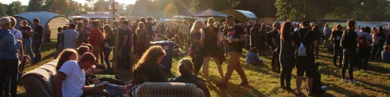 Deine Band beim Oakfield Festival?