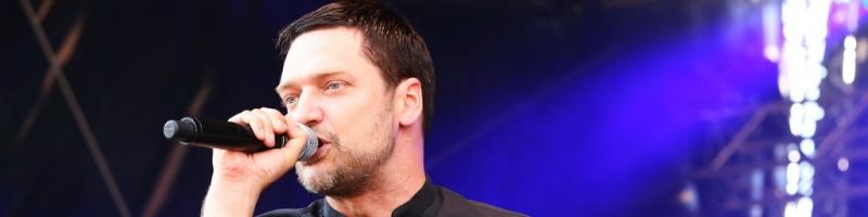 """""""Kleine Beobachtungen in großen Zusammenhängen"""" – Adam Angst im Interview"""